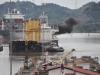 Skibe gennem kanalen ved Mira Flores
