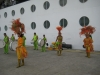 Lokale Hula badula dansere og onga bunga trommer ved skibet